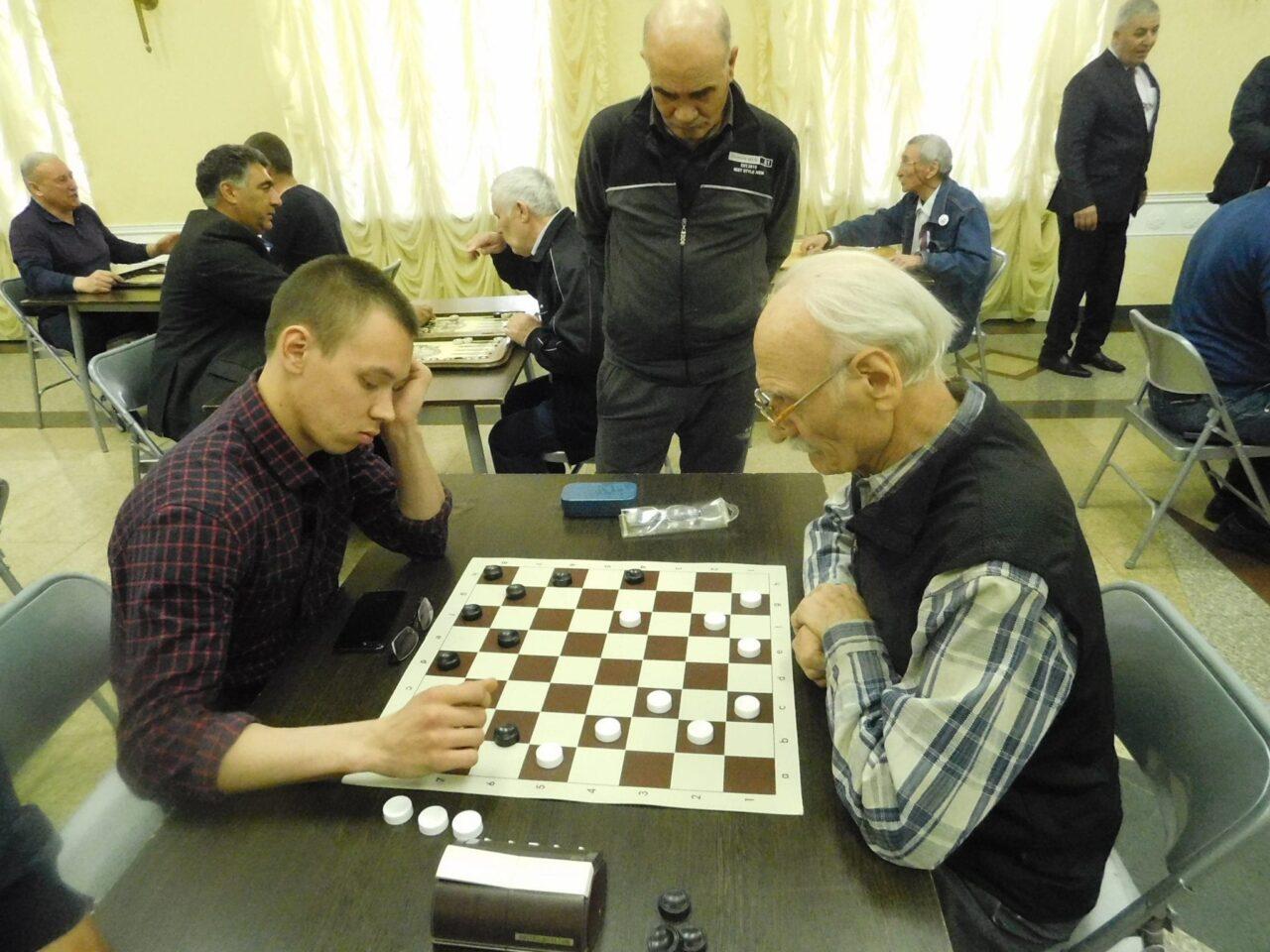 Турнир по шашкам и длинным нардам