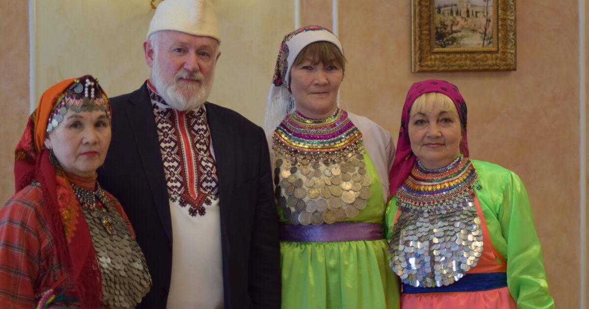 фото марийцев в национальных одеждах