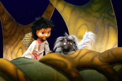 Фото со спектакля в театре кукол Ижевска