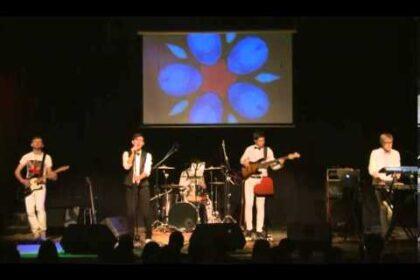 """Фото группы IB&4CP, исполняющей на сцене песню """"Лымы Тӧдьы"""""""