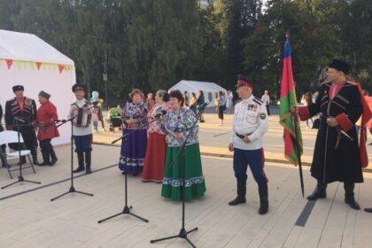 Фото выступления артистов на фестивале читай ижевск