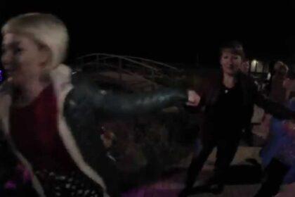 Фото девушки в темноте фишай