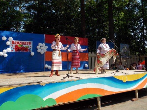 Фото украинок, выступающих на сцене