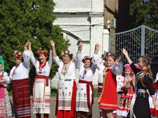 Фото украинок на празднике