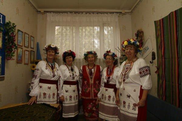 Фото женщин-украинок с венками на головах