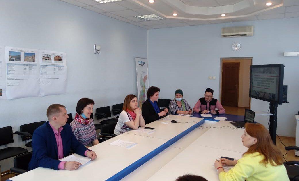 фото заседание круглого стола Балезино НКО