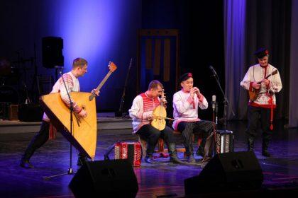 фото выступление театра Айкай